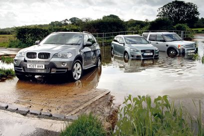 Land Rover Discovery 5 Audi Q7 vs BMW X5 vs Land Rover Discovery