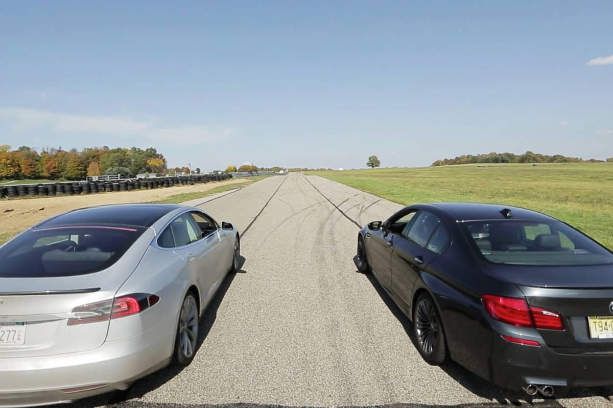Video: Tesla Model S vs BMW M5