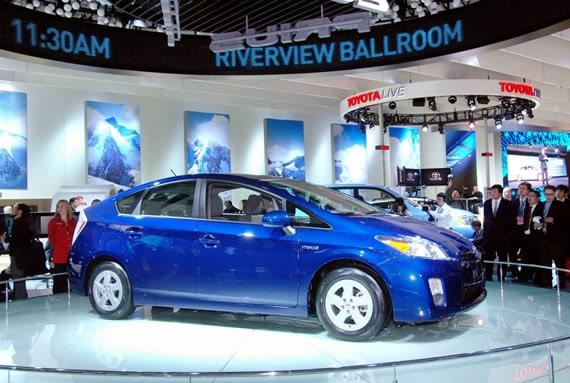2010 toyota prius 3 2010 Toyota Prius Sees Light in Detroit