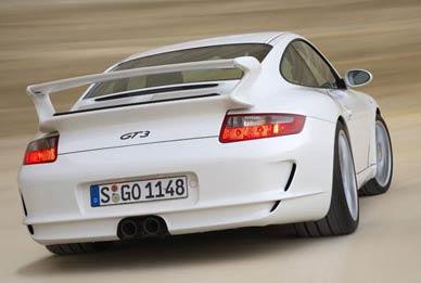 Porsche 911 GT3 vs BMW M3