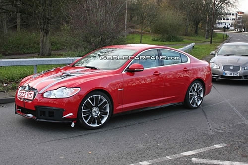 jaguar xf r Jaguar XF R: Sizzling in spy shots!