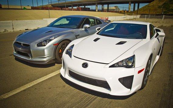 lexuslfanissangtr Lexus LFA vs Nissan GTR: Who's The Fastest?